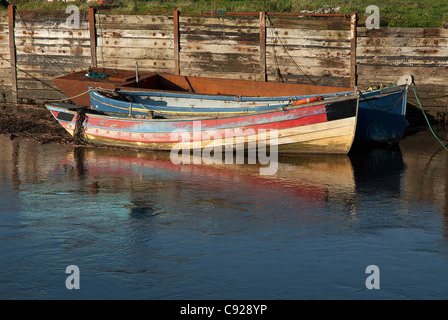 Great Britain, Wales, Ceredigion, Borth, boats moored on the shore - Stock Photo