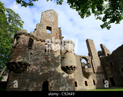 The ruins of The Earl's Palace are close to St Magnus Cathedral in the centre of Kirkwall, the main town on Orkney. - Stock Photo
