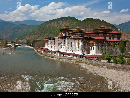 The 17th century Punakha Dzong is the second oldest and second largest dzong in Bhutan. - Stock Photo