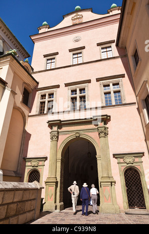 Poland, Cracow. The arcaded Renaissance-style courtyard at Wawel Royal Castle on Wawel Hill. - Stock Photo