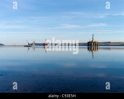 dh  INVERGORDON ROSS CROMARTY Repair scrapping Oil rigs Nigg Bay Cromarty Firth rig scotland north sea