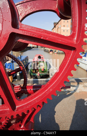 Close-up of the Midland Railway Crane 1902 with a view of Victoria Dock Gloucester Docks, Gloucestershire, England, - Stock Photo