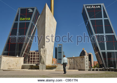 The Plaza de Castilla in Madrid. In the background the HQs of Spanish bank Bankia and of Spanish property management - Stock Photo