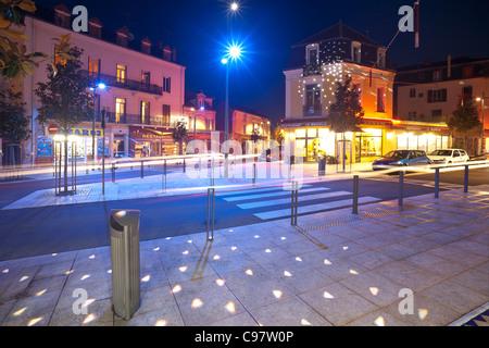 In Vichy, the street of Paris at night (Allier - France). A Vichy, la rue de Paris de nuit (Allier 03 - France).