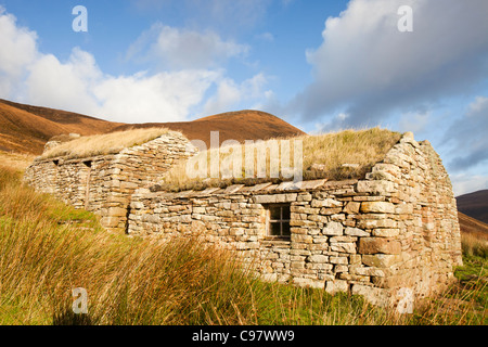 Cra'as Nest and old steading now turned into a museum, in Rackwick on the isle of Hoy, Orkney, Scotland, UK. - Stock Photo