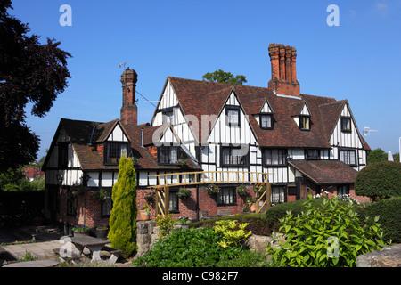 The Weavers , a historic 16th century farmhouse , now a pub , Southborough , near Tunbridge Wells , Kent , England - Stock Photo
