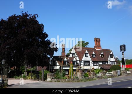 The Weavers, a historic 16th century farmhouse, now a pub, Southborough , near Tunbridge Wells , Kent , England - Stock Photo