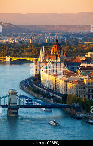 Europe, Europe central, Hungary, Budapest, Chain Bridge over Danube River and Hungarian Parliament Building - Stock Photo