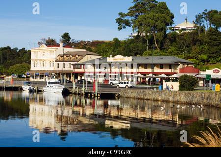 The harbour town of Strahan on Tasmania's west coast. Strahan, Tasmania, Australia - Stock Photo