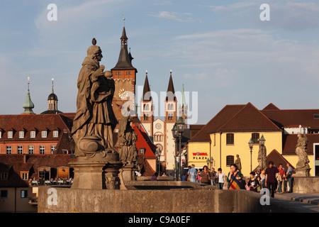 Germany, Bavaria, Franconia, Wuerzburg, View of city hall and cathedral of St. Kilian - Stock Photo