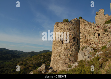 Château d'Aguilar, eagle castle, stronghold of the Cathars sect, in the Corbières mountains near Tuchan, Aude, Languedoc - Stock Photo