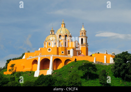 Mexico, Puebla, Cholula, Church of Neustra Senor de los Remedios or Our Lady of Remedios on wooded hillside above - Stock Photo
