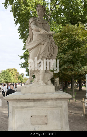 Julius Caesar statue, Paris [...] - Stock Photo