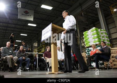 Dec. 9, 2011 - Cedar Rapids, Iowa, U.S. - Republican presidential candidate MITT ROMNEY speaks as he campaigns at - Stock Photo