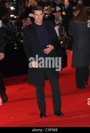 London, UK, 13/12/2011 Tom Cruise attends the Mission: Impossible Ghost Protocol - UK film premiere at the BFI IMAX - Stock Photo