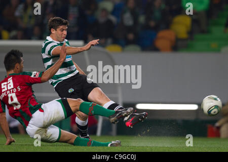 Portugal Cup Quarter final - Sporting CP (SCP) x SC Maritimo (SCM)  Insua Sporting Clube Portugal Defender shooting - Stock Photo