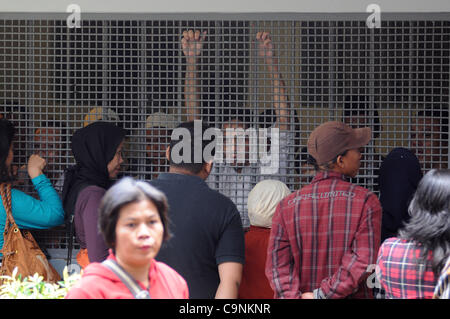Feb. 1, 2012 - Jakarta, Indonesia - Families visit  prisoners  at South Jakarta Court, Indonesia. Feburari 01.2012 - Stock Photo