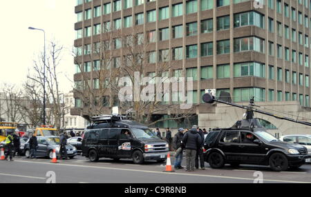 London, UK. 12/02/12. Film crew working on a scene for the upcoming Bond movie, Skyfall being filmed on Vauxhall - Stock Photo