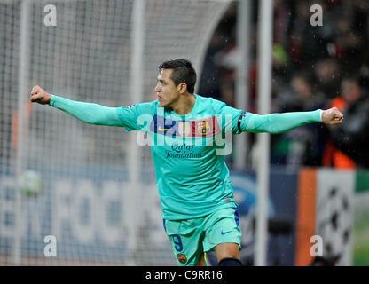 Soccer, UEFA Champions League, Leverkusen vs. FC Barcelona 1:3 --- Alexis Sanchez (Barcelona) celebrates his first - Stock Photo