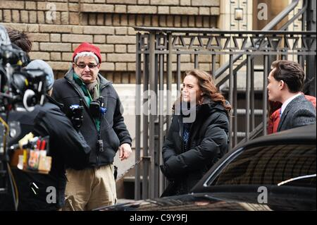 Leighton Meester, Ed Westwick, rehearse a scene at the 'Gossip Girl' movie set in the Upper West Side out and about - Stock Photo