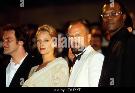 QUENTIN TARANTINO, UMA THURMAN, BRUCE WILLIS, & SAMUEL .L. JACKSON.Cannes Film Festival, France. 1994(Credit Image: - Stock Photo