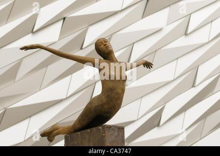 Bronze statue outside Belfast's Titanic Signature Building - Stock Photo