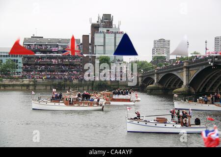 Dunkirk Little Ships, Diamond Jubilee Thames Pageant, Battersea Bridge, London, UK, Sunday 3rd June 2012, to celebrate - Stock Photo
