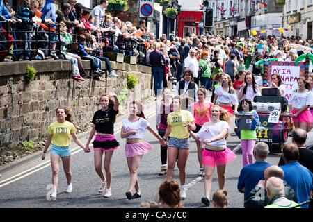 Saturday 9th June 2012. Knaresborough, Yorkshire, UK. The Great Knaresborough Bed Race procession passes along Knaresborough - Stock Photo