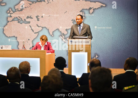 Tuesday 12th June 2012. London, UK. HE Mahamadou Issoufou, President of the Republic of Niger, addresses the audience - Stock Photo