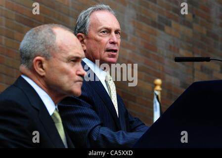 June 12, 2012 - Manhattan, New York, U.S. - Police Commissioner RAYMOND KELLY and Mayor MICHAEL BLOOMBERG at the - Stock Photo