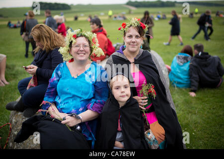 On June 20th-21st, thousands of people will join Druids and Pagans as they gather together at  Stonehenge to celebrate - Stock Photo