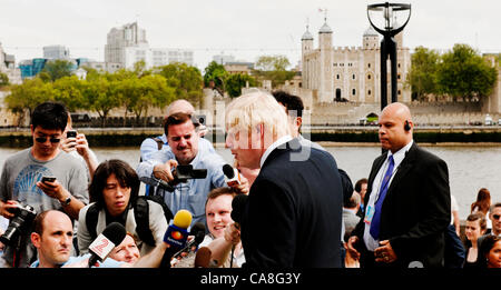 London, UK Wednesday 27th June 2012. Olympic Rings were unveiled at Tower Bridge to-day exactly one month before - Stock Photo