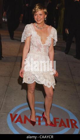 Feb 29, 2004; Los Angeles, CA, USA; Actress KIRSTEN DUNST arrives at the 2004 Vanity Fair Oscar Party at Morton's - Stock Photo
