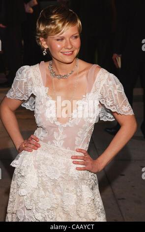 Feb 29, 2004 - Los Angeles, CA, USA - Actress KIRSTEN DUNST arrives at the 2004 Vanity Fair Oscar Party at Morton's - Stock Photo
