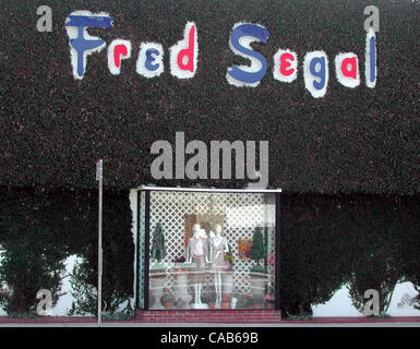 May 08, 2004; Los Angeles, CA, USA; The upscale shopping center on Melrose Avenue considered a celebrity favorite. - Stock Photo