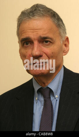 May 24, 2004; New York, NY, USA; Independent presidential candidate RALPH NADER at a press conference where he voiced - Stock Photo