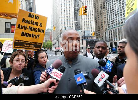 Sept. 9, 2010 - Manhattan, New York, U.S. - City Councilman CHARLES BARRON speaks during a press conference to announce - Stock Photo