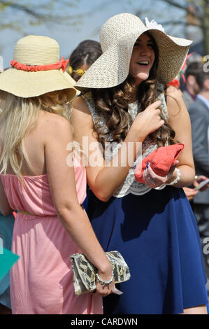 Arrivals at Aintree Racecourse in Liverpool for Ladies Day 13.4.12 Credit Line : Credit:  ALAN EDWARDS / Alamy Live - Stock Photo