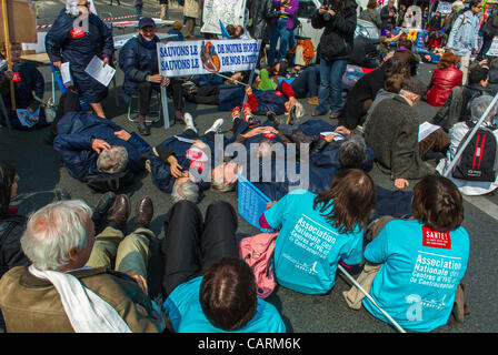 Paris, France, French Hos-pital Personal Protest with 'Collectif Notre Santé en Danger', Health and Social Issues - Stock Photo