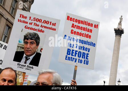 London, UK. Saturday 21st April 2012. Marchers with placards at the Armenian Genocide of 1915 Commemoration March, - Stock Photo