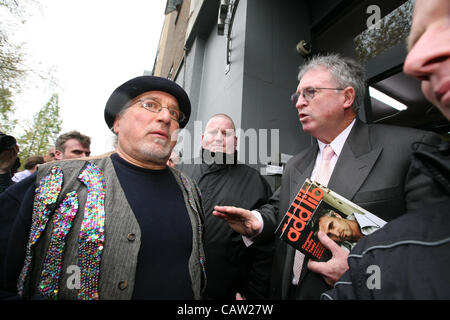 London,UK,23/04/2012.   Addison Lee Chairman John  Griffin trying to explain his article which appeared in the company - Stock Photo