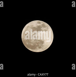TEMPLE CITY, CALIFORNIA, USA - MAY 5, 2012 – The once a year 'Supermoon' is seen low on the horizon on May 5, 2012. - Stock Photo