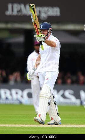 18.05.2012 London, England.  Andrew Strauss in action during the First Test between England and West Indies from - Stock Photo
