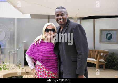 London, UK. 21 May, 2012.  Broadcaster Vanessa Feltz & husband Ben Ofoedu enjoying the RHS Chelsea Flower Show 2012 - Stock Photo
