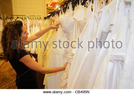 Deerfield Beach Florida Hilton Boca Raton Hotel Ballroom Bridal Show Wedding Dresses For Sale