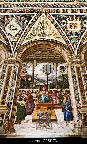 Fresco 2: 'Enea Piccolomini as an Ambassador to the Court of James I of Scotland'  -  Piccolomini Library, Siena - Stock Photo