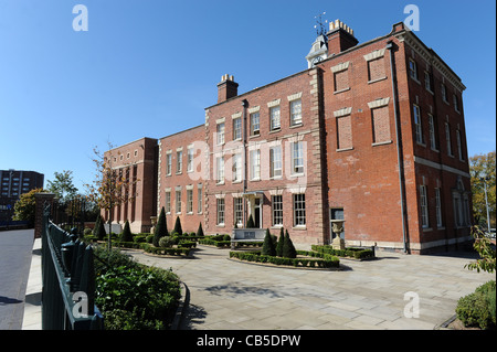 The former Molineux Hotel now home to Wolverhampton City Archives England Uk - Stock Photo