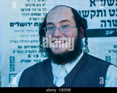 Jewish ultra orthodox man in the ' Mea Shearim' neighborhood in Jerusalem Israel. - Stock Photo