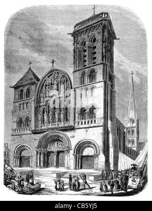 Church of the Madeleine Vézelay Abbey  France Basilique Sainte Marie chapel nave cathedral basilica - Stock Photo