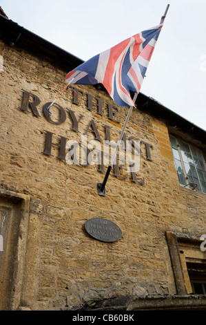 The Royalist Hotel in the Square at Stow-on-the-Wold, Gloucestershire, England. - Stock Photo